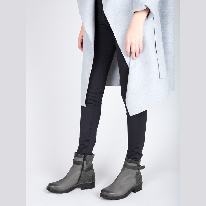 Kožená kotníčková obuv s metalickými prvky bata, šedá, 596-2619 - 18