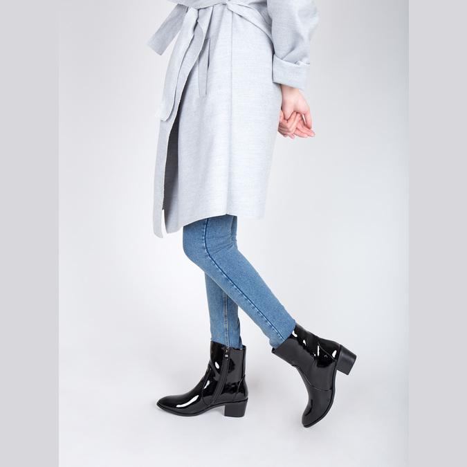Kotníčková obuv v lakovaném provedení bata, černá, 691-6630 - 18