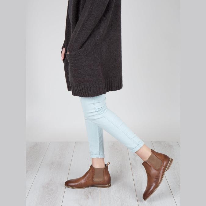 Kožené kotníčkové Chelsea Boots s perforací bata, hnědá, 596-4644 - 18