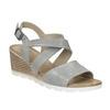 Kožené sandály na klínku s perforací bata, šedá, 666-2606 - 13