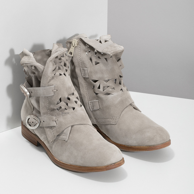 Kožené kotníčkové kozačky s průstřihy bata, šedá, 596-2689 - 26