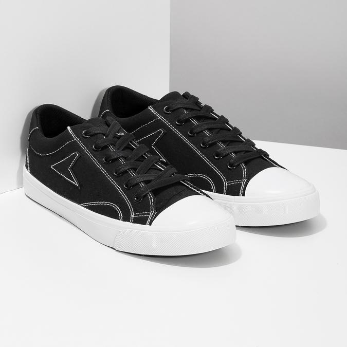 Černé pánské tenisky s bílým prošitím bata-hotshot, černá, 889-6245 - 26