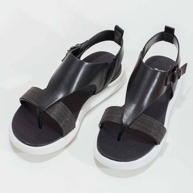 Černé dámské sandály na výrazné podešvi bata-light, černá, 561-6616 - 16