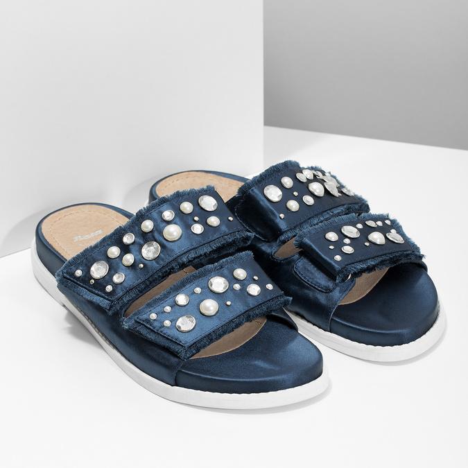 Modré nazouváky s kamínky a perličkami bata, modrá, 569-9618 - 26