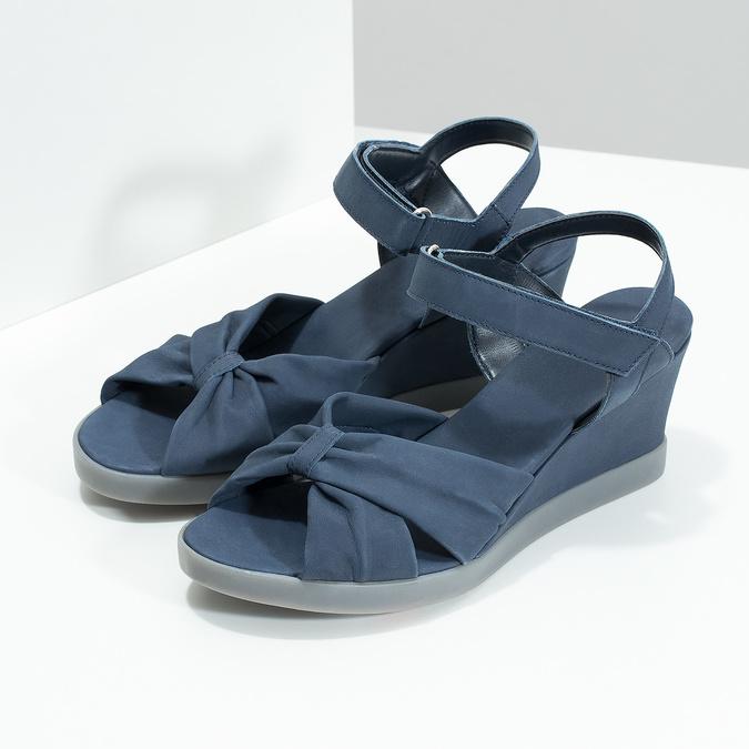 Modré kožené sandály na klínku flexible, modrá, 666-9617 - 16
