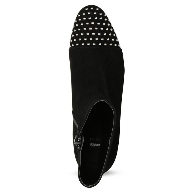 Kotníčkové kožené kozačky s kovovými cvoky bata, černá, 793-6615 - 17