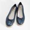 Tmavě modré kožené baleríny s perforací flexible, modrá, 524-9607 - 16
