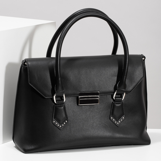 Černá kabelka s kovovou sponou a cvoky bata, černá, 961-6963 - 17