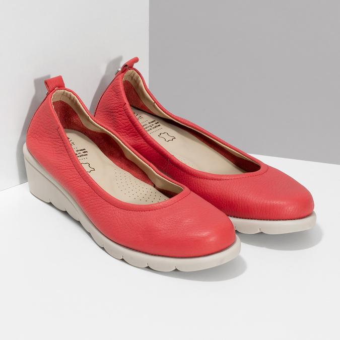 Červené kožené lodičky na výrazné podešvi comfit, červená, 624-5618 - 26