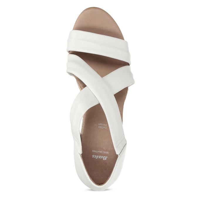 Bílé kožené sandály na klínku bata, bílá, 654-1600 - 17