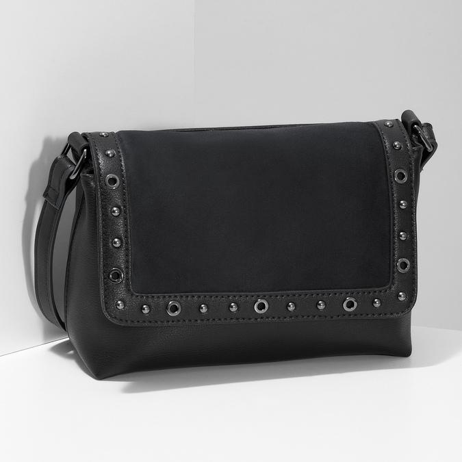 Černá Crossbody kabelka s kovovými cvoky bata, černá, 961-6711 - 17