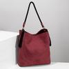 Červená dámská kabelka s popruhem bata, červená, 961-5816 - 19