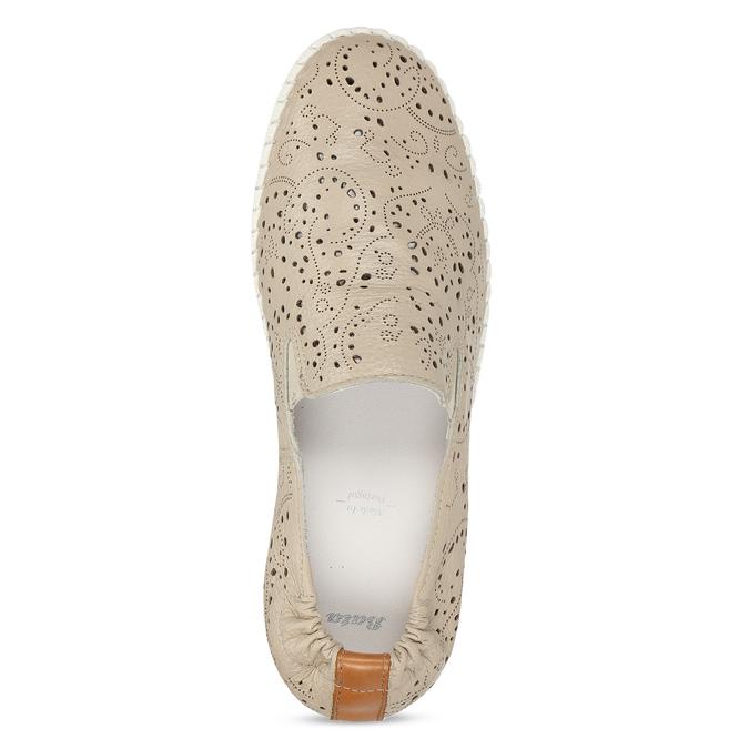 Dámská kožená béžová slip-on obuv s perforací bata, béžová, 524-8604 - 17